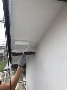 小牧市にて外壁塗装工事 ~軒天塗装・モルタル壁下塗り~